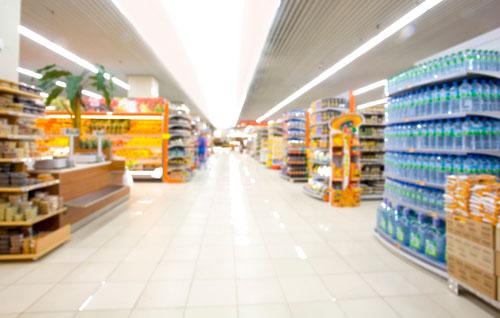 Francia prohíbe desperdiciar alimentos a sus supermercados