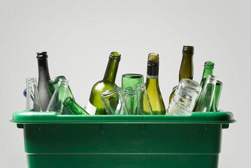 El reciclaje de vidrio llama a la puerta de los madrileños