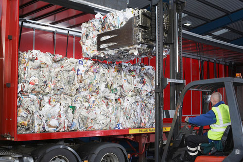 El sector de los residuos urbanos facturó más de 1.400 millones de euros en España en 2015