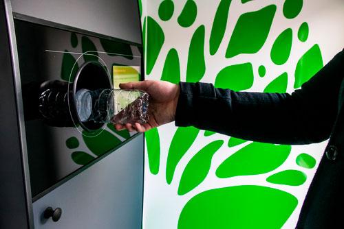 Valencia colocará máquinas de reciclaje de envases a cambio de dinero a partir de 2018