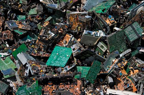 Convenio entre Recumur y los empresarios del metal murcianos para impulsar el reciclaje de RAEE