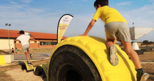 El parque infantil sostenible Cecilia, construido a base de neumáticos reciclados