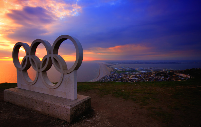 Presentación de las medallas de los Juegos Olímpicos Tokio 2020 con material reciclado