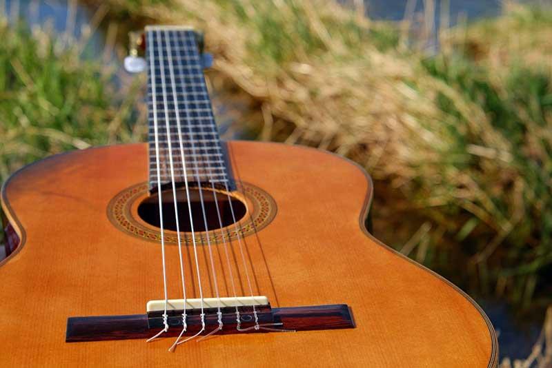 Instrumentos musicales hechos con materiales reciclados